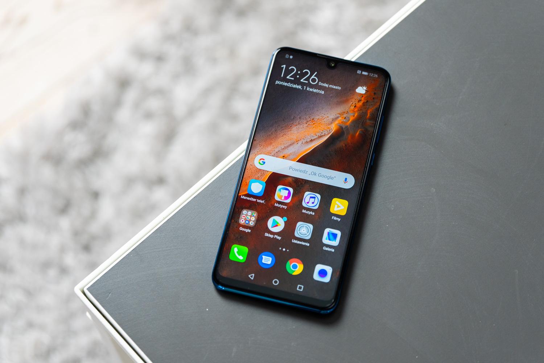 Jaki smartfon do 1600 zł wybrać?