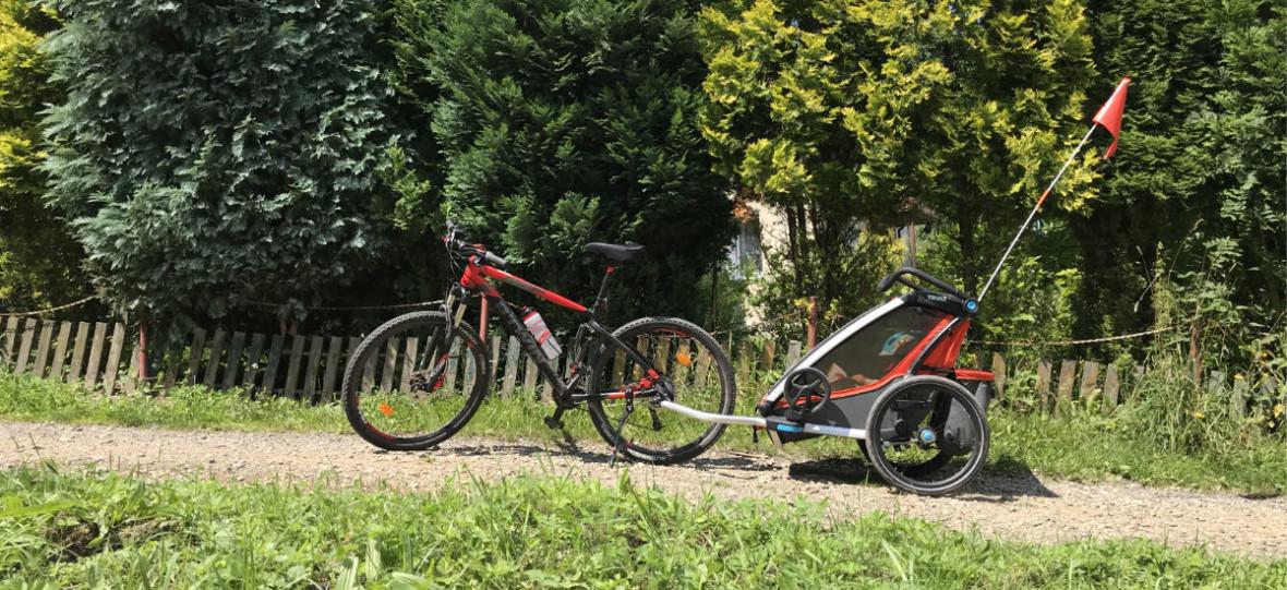 #TECHTATA: Z dzieckiem na rowerze, czyli fotelik kontra przyczepka – co wybrać, co jest lepsze?