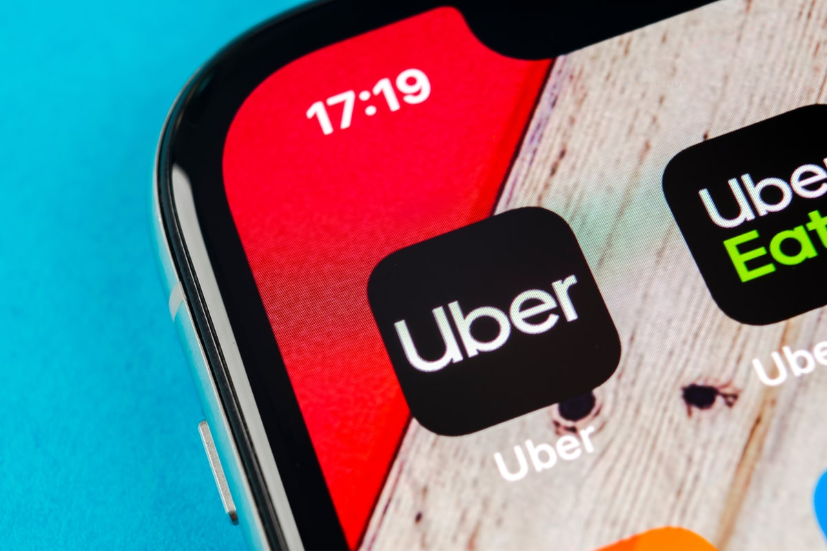 Uber betrays plans and gives bonuses. Drivers in Poland will get up to PLN 12590