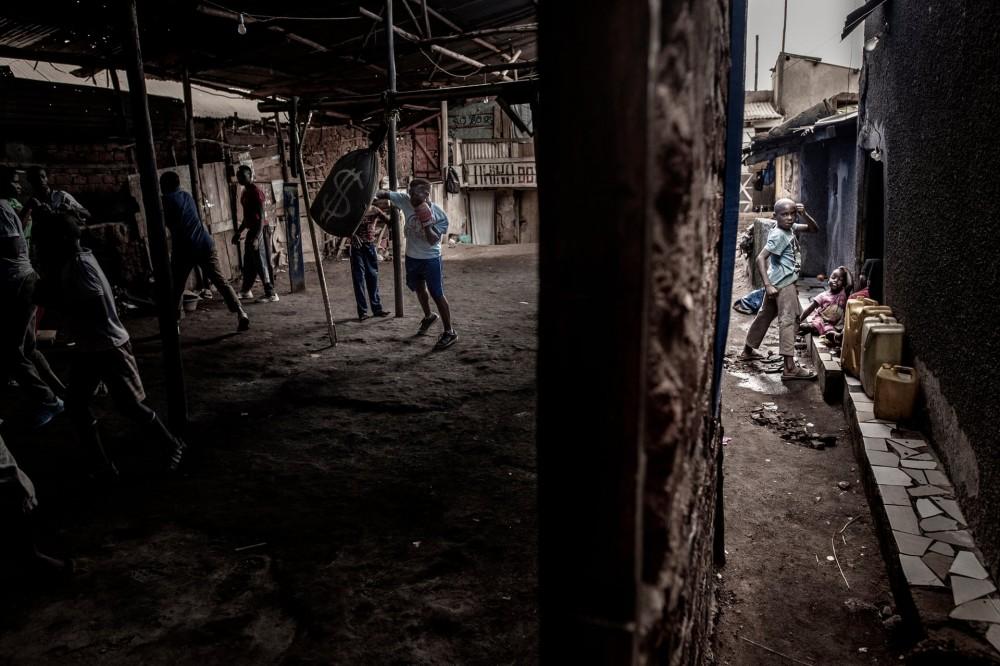 Fot. John T Pedersen. I miejsce w kat. Sport, pojedyncze zdjęcie. Morin Ajambo, bokserka i mama siódemki dzieci, trenuje w slumsach w ugandyjskiej Kampali.
