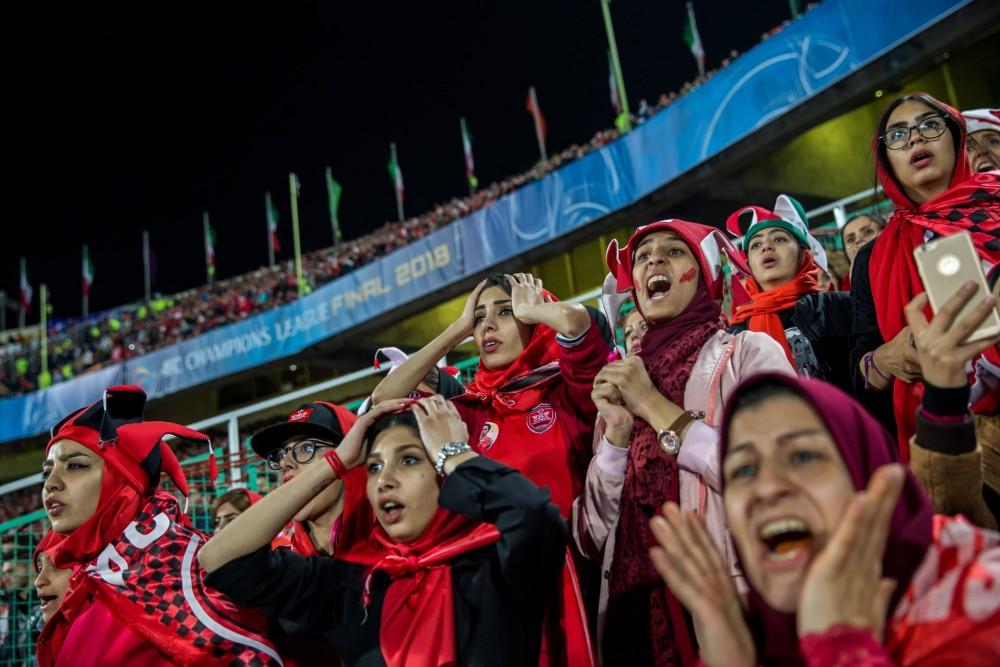 Fot. Forogh Alaei. I miejsce w kat. Sport, historia. Irańska drużyna z Persepolis przegrywa z japońską Kashima Antlers w Teheranie.