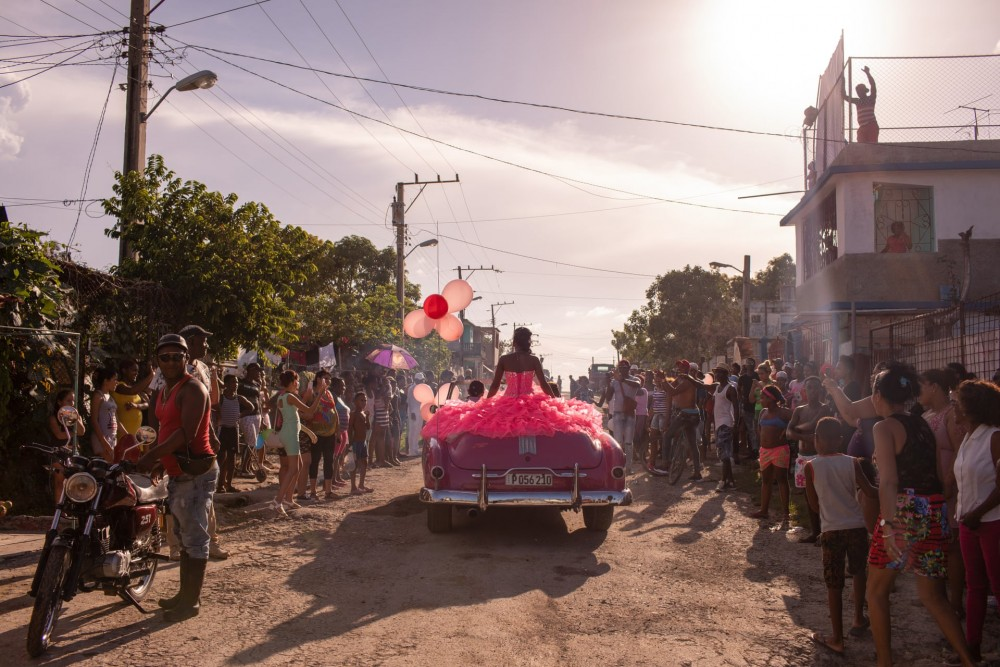 Fot. Diana Markosian/Magnum Photos. I miejsce w kat. Współczesne zjawiska, pojedyncze zdjęcie. Quinceañera (piętnaste urodziny dziewczynki) w Hawanie.