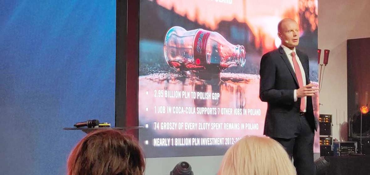 Coca-Cola po sobie posprząta. W Warszawie stawia recyklomaty, które będą nagradzały za zbieranie śmieci