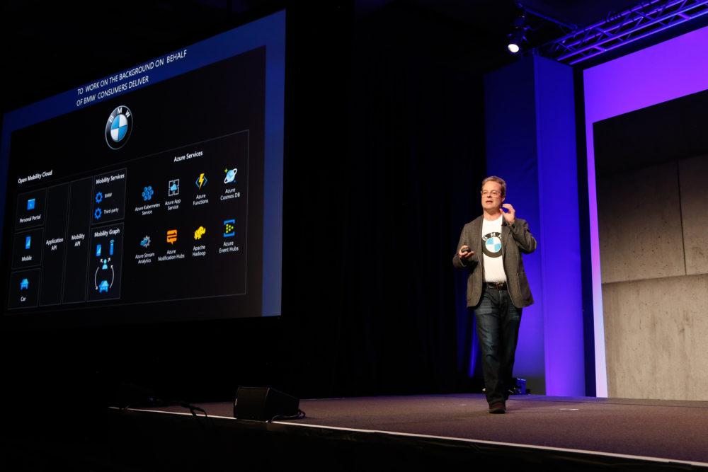 Microsoft przekonuje, że dostęp do sztucznej inteligencji jest zbyt skomplikowany i trzeba go upraszczać