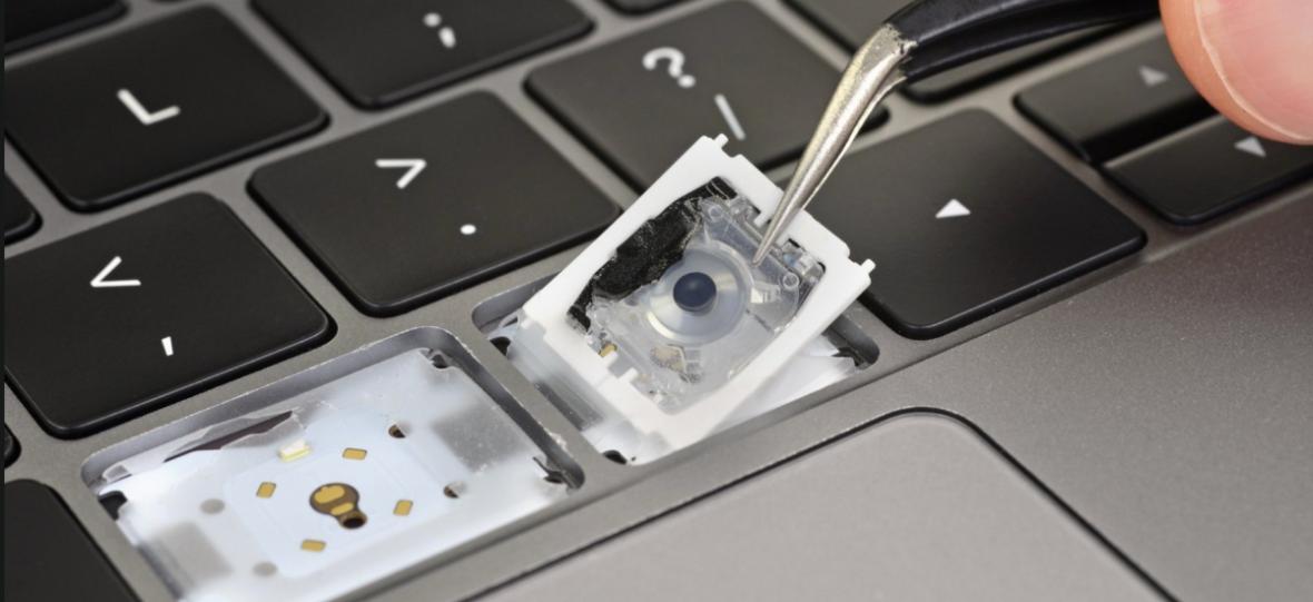 Apple mówi, że zmienił coś w psujących się ciągle klawiaturach. Ekspert iFixit mówi, jak jest