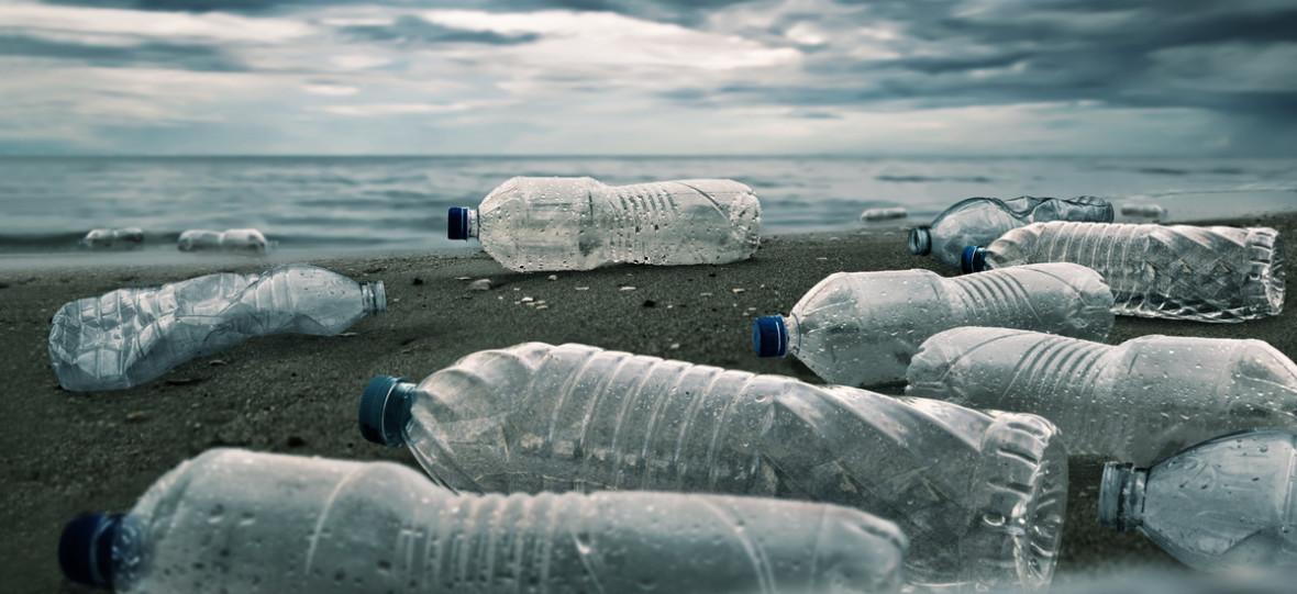 Będzie kaucja za plastikowe butelki. Obawiam się, że zmieni tyle, co opłata za plastikowe torebki – czyli nic