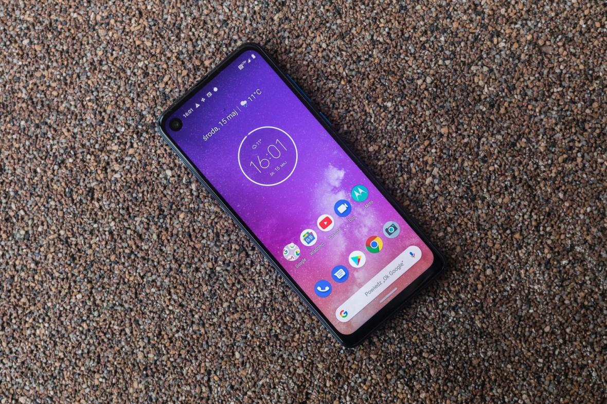 Motorola One Vision to tani średniak z czystym Androidem – pierwsze wrażenia