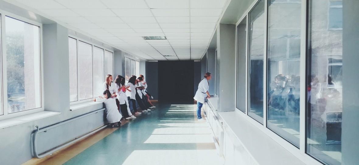 Polskie szpitale gotowe na specjalistów z Ukrainy. Brakuje jednak uproszczeń procedur