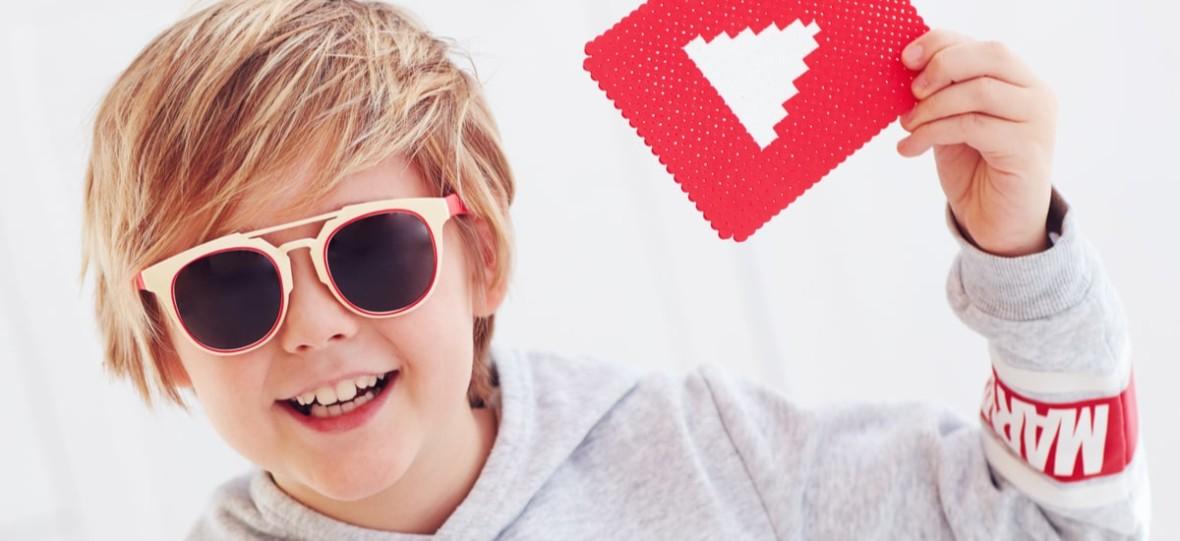 """Kolejny youtuber odniósł sukces i stracił kontakt z bazą – Sekielski wypuścił koszulki """"Tylko nie mów nikomu"""""""