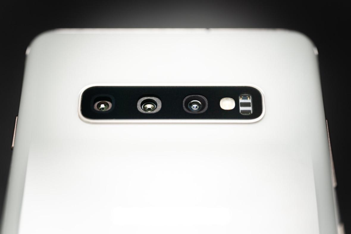 """Samsung Galaxy S11 z aparatem """"jakiego jeszcze nie było"""". Zobaczmy, czego możemy sięspodziewać"""