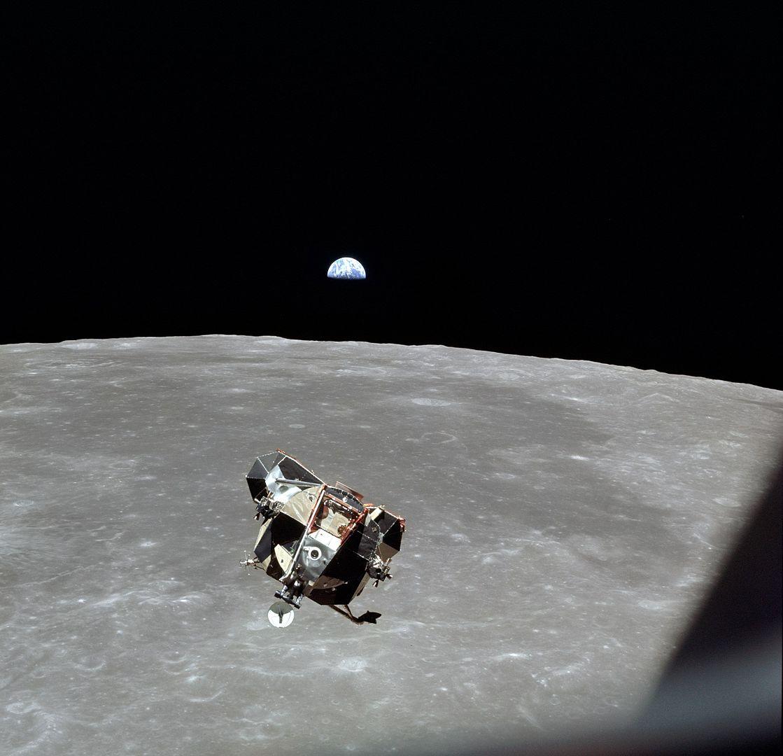 Astronauci misji Apollo mogli zostać pierwszymi ofiarami błędu w oprogramowaniu. Mija 50 lat od lotu na Księżyc