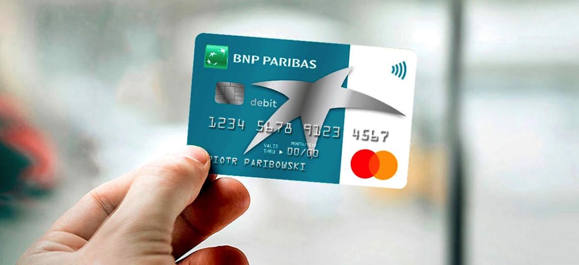 """BNP Paribas wprowadził """"Kartę Otwartą na Świat"""". Jej siła to wysokie limity wypłat za granicą i bezpłatne ubezpieczenie"""