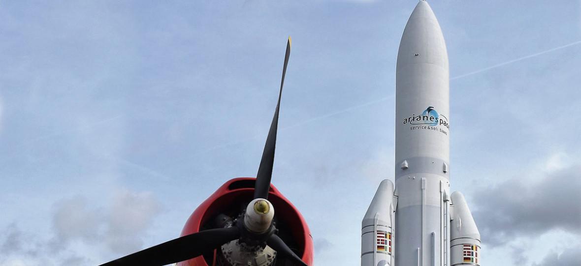 Zapowiedziano kosmiczne siły zbrojne, a nad Paryżem przeleciał żołnierz na deskorolce – taki tam dzień we Francji