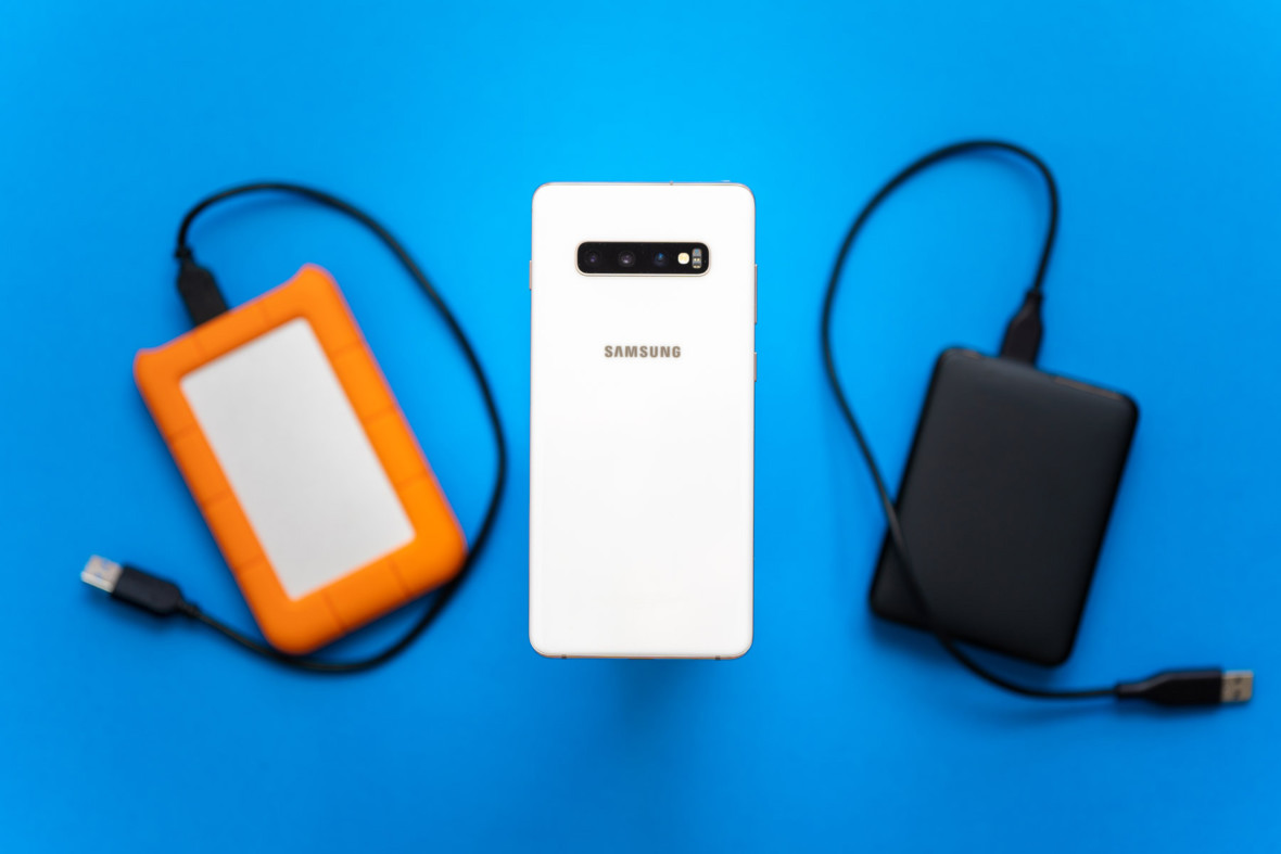 Od 5 MB do 1 TB, od szafy do smartfonu, czyli krótka historia pamięci