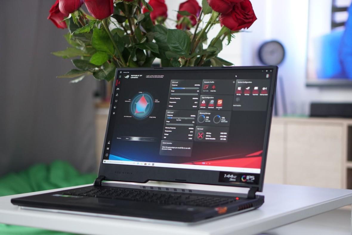 Czy laptop do gier może być tak dobry jak stacjonarka? Oto Asus ROG Strix Scar III