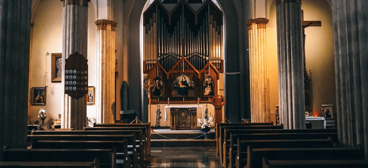 Homilia arcybiskupa Jędraszewskiego najpierw znika, a potem powraca na YouTube'a Radia Maryja