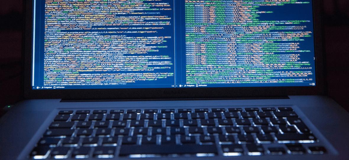 Nazwiska i numery rejestracyjne, które psują serwery – historia największej pomyłki informatyki