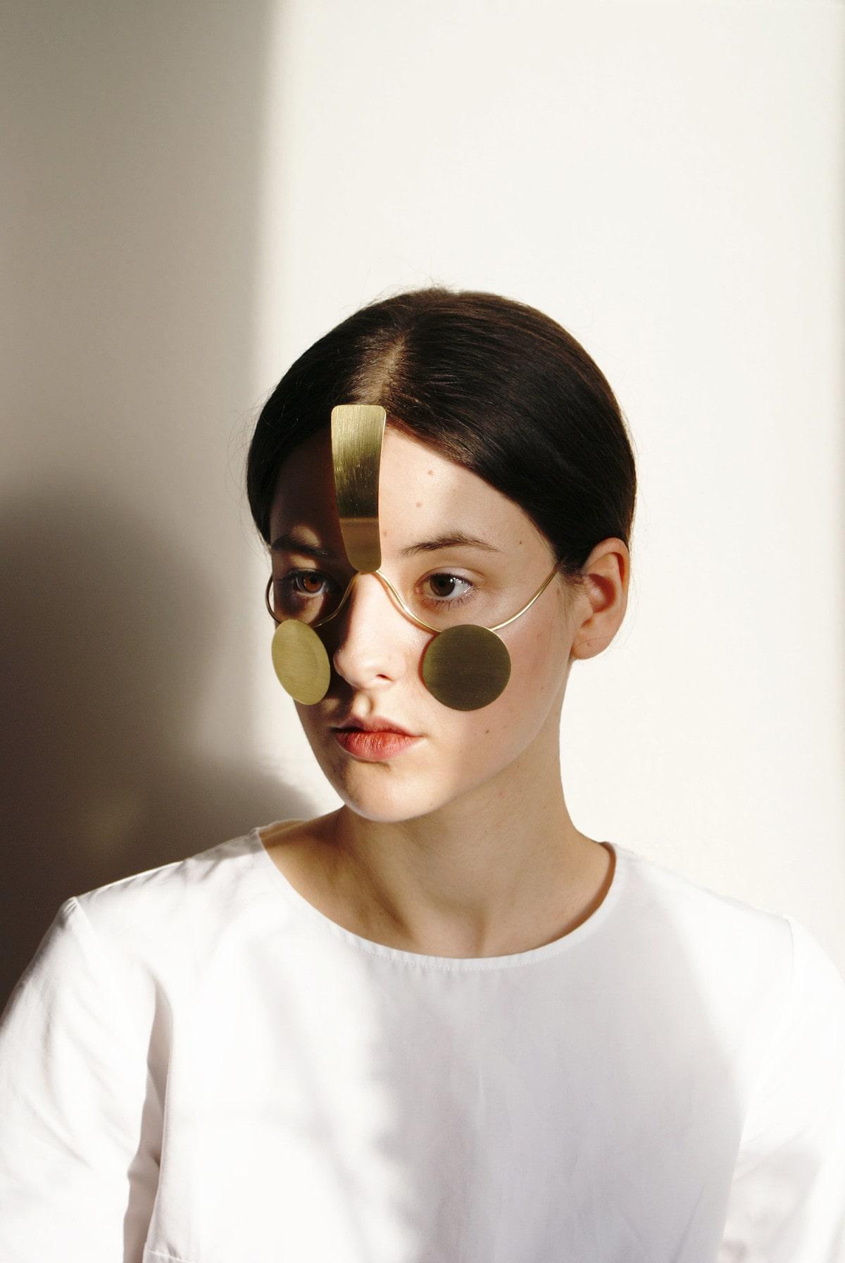 biżuteria chroniąca przed rozpoznawaniem twarzy