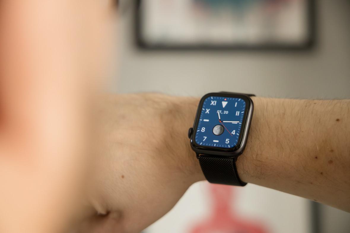 Smartwatch ratował mnie przed nałogowym sięganiem po telefon. Doceniłem to, gdy go straciłem