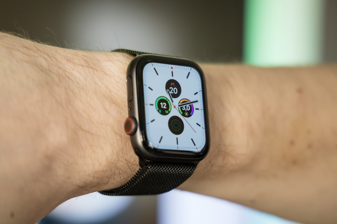 Ten ekran i tryb always-on robią robotę. Apple Watch Series 5 – pierwsze wrażenia