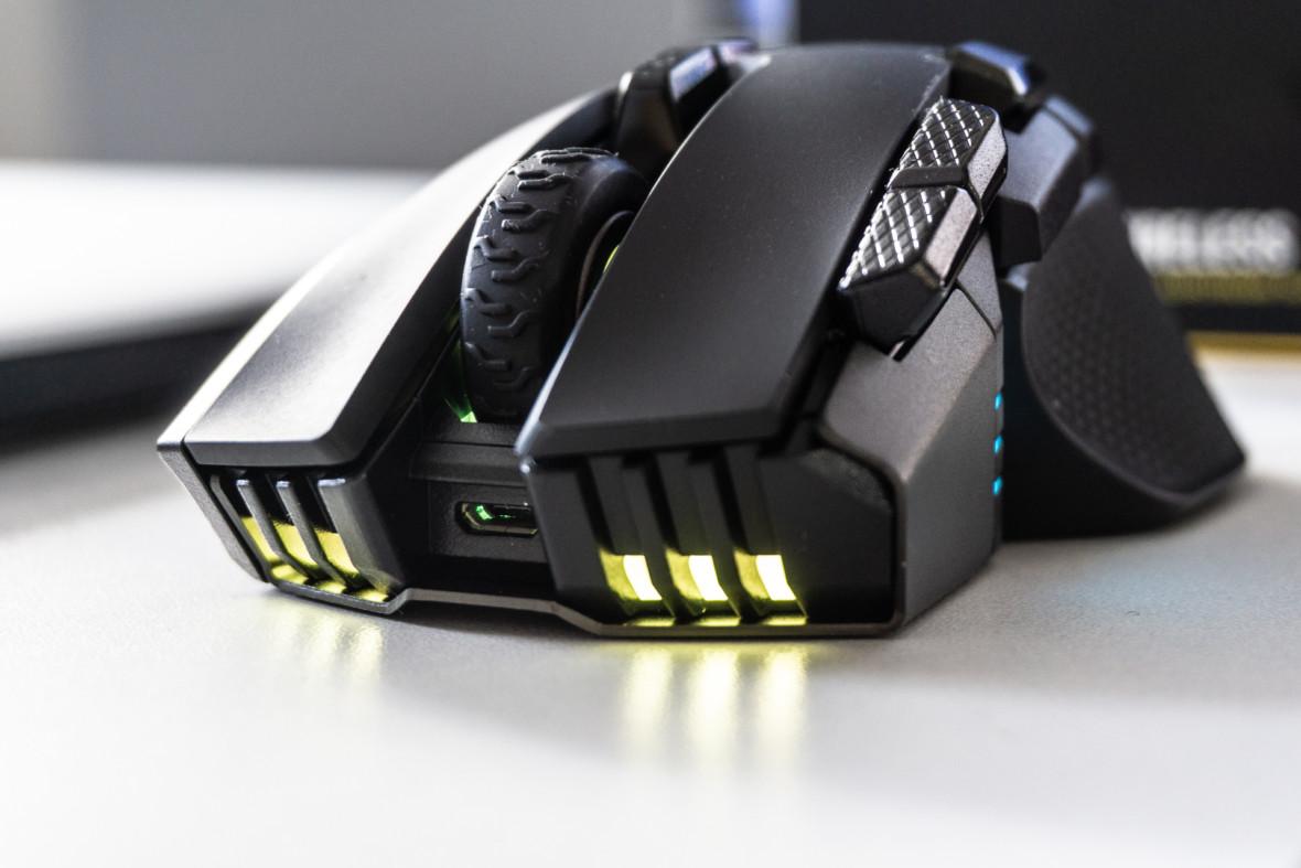 Sensor 18000 DPI, aż 10 przycisków i baaardzo wysoki profil. Corsair Ironclaw RGB Wireless – recenzja