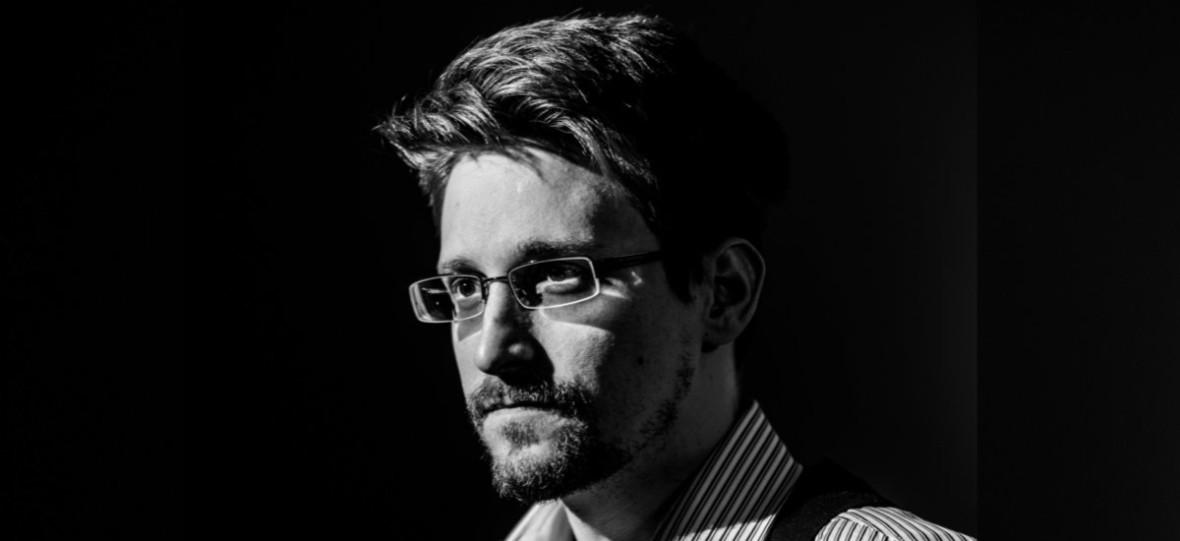 """Bohater czy zdrajca? Snowden napisał autobiografię. """"Pamięć nieulotna"""" ukaże się w Polsce na światową premierę"""