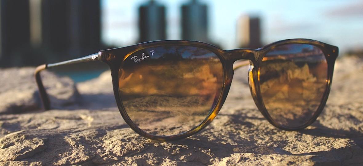 Zakup okularów w internecie może być bezpieczny. Podpowiadamy, jak kupić oryginalne okulary