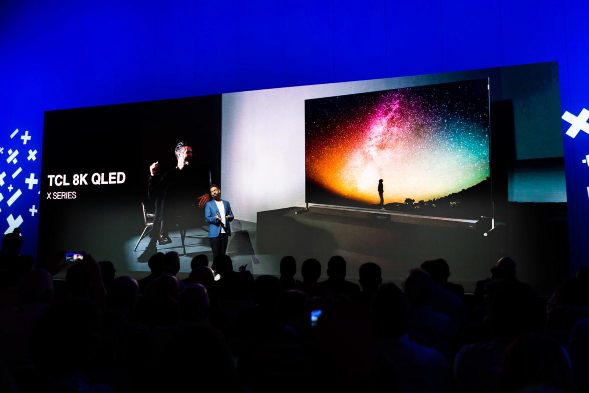 8K, QLED, Mini LED i kamery wysuwane z telewizorów. TCL pokazał nowości