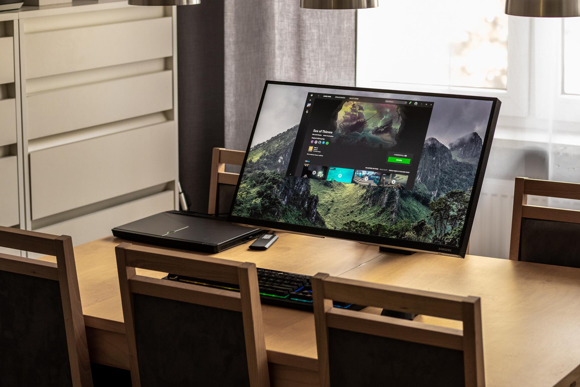 Monitor 27 cali Samsung Space - recenzja