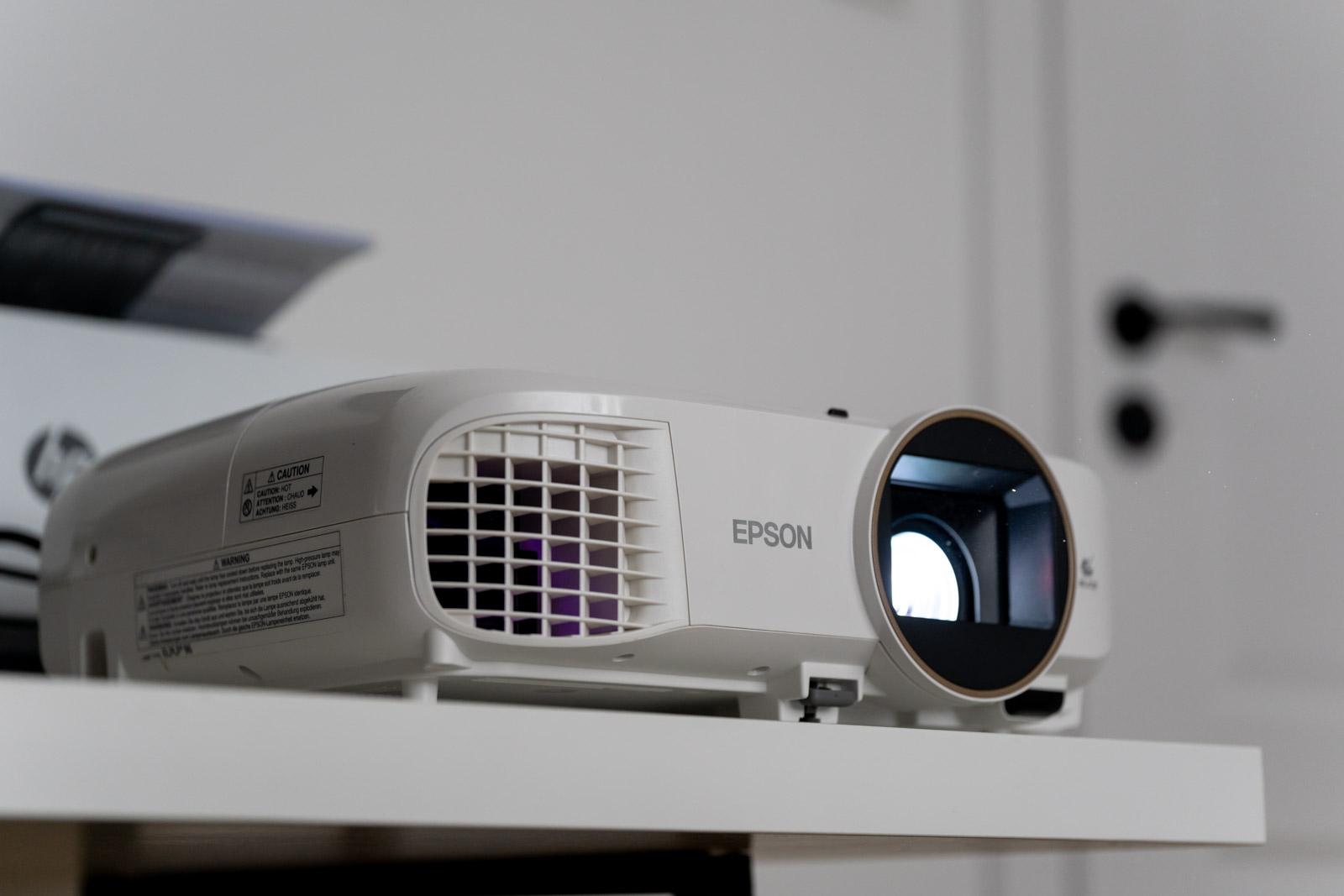 Epson EH-TW5650 recenzja