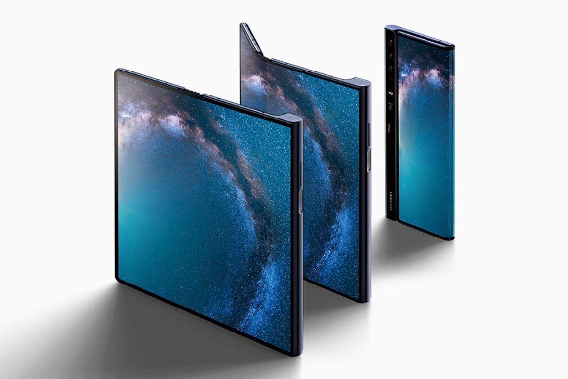 Expensive, more expensive, Huawei Mate X. The price of a folding smartphone knocks off your feet