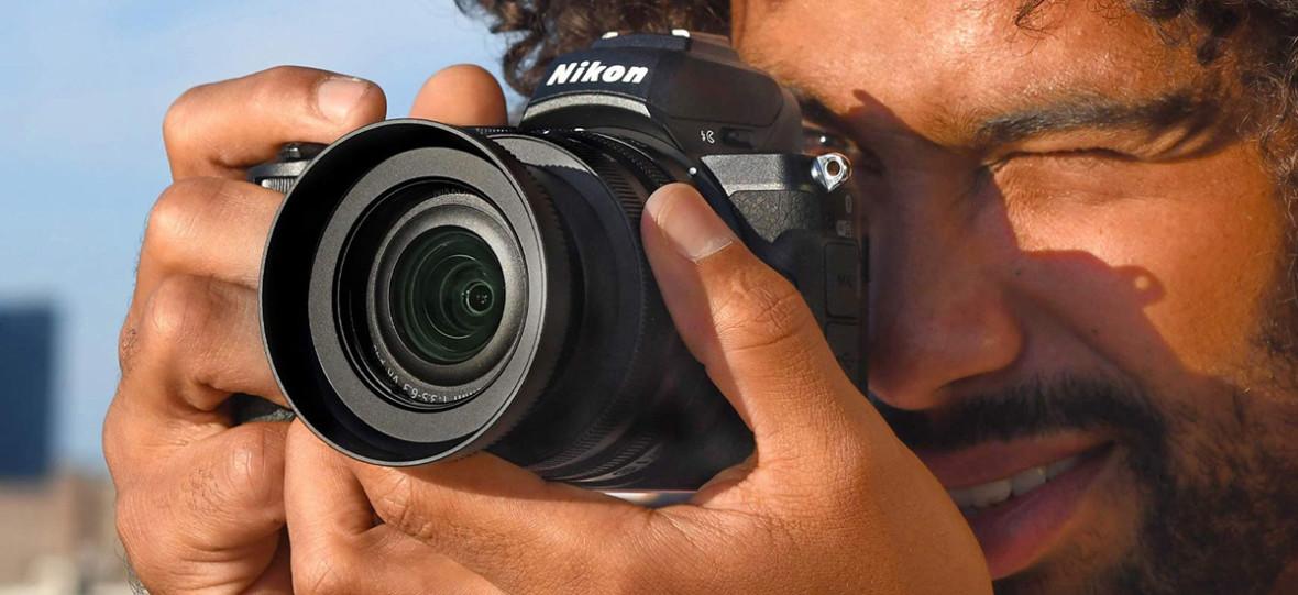 Nikon Z50 to tani bezlusterkowiec z matrycą APS-C, który zapowiada koniec lustrzanek