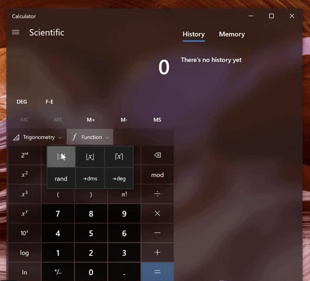 Windows i kalkulator naukowy. Źródło: @ALumia_Italia, Twitter