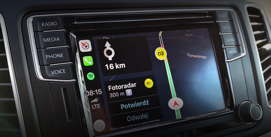 Yanosik i Apple CarPlay