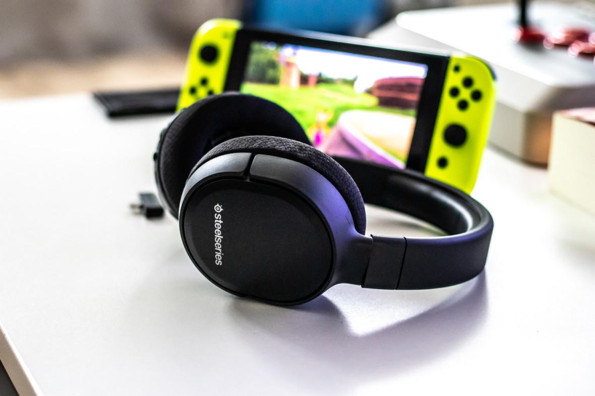Pierwsze dobrze pomyślane słuchawki bezprzewodowe dla Switcha. SteelSeries Arctis 1 Wireless – recenzja