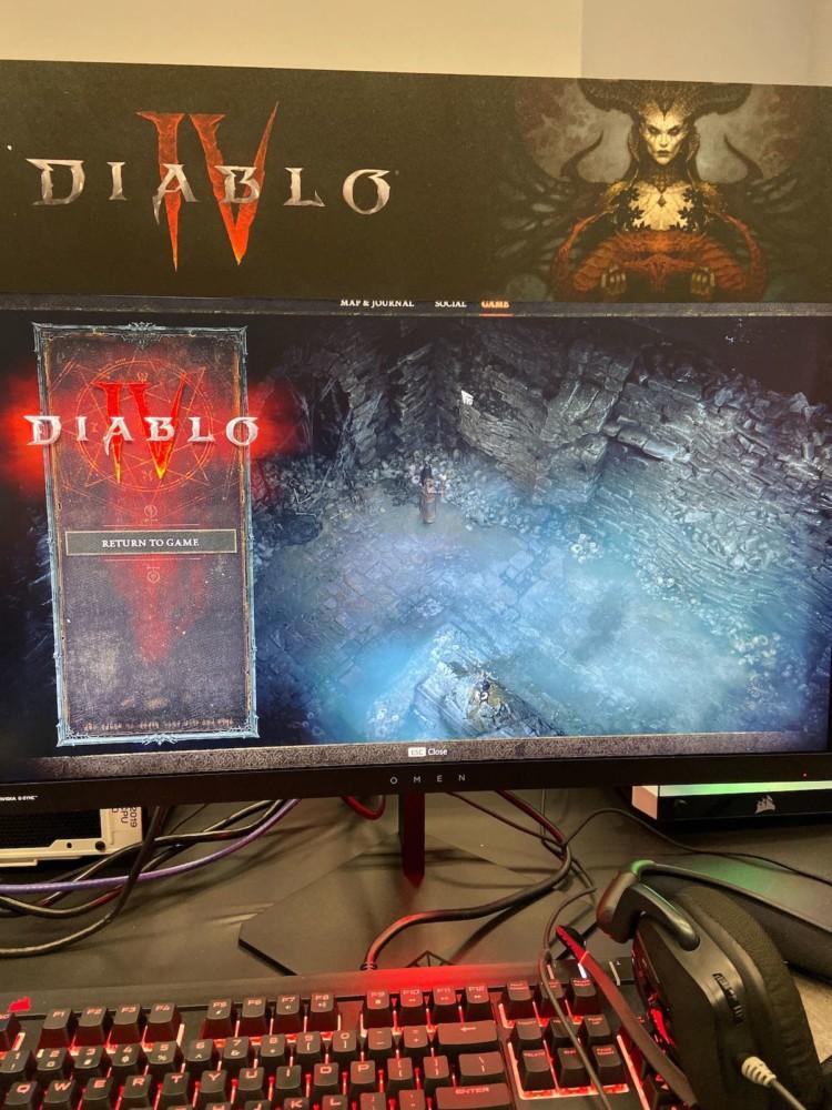 Tak wygląda stanowisko gry w Diablo IV dla dziennikarzy.