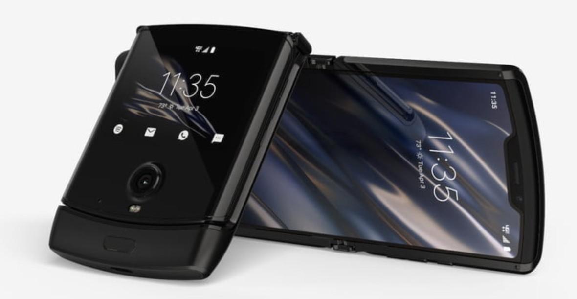 Kosztuje majątek i ma specyfikację smartfona ze średniej półki. Motorola Razr oficjalnie