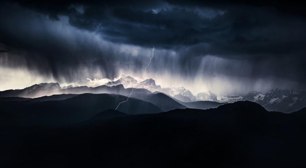 """Fot. Ales Krivec (Słowenia) """"A stormy day"""", zwycięzca w kat. Krajobrazy"""