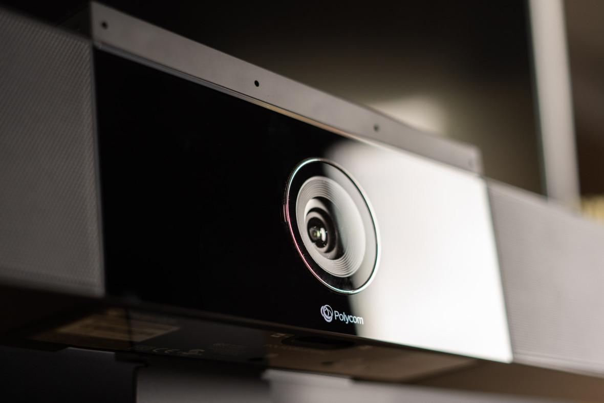 Kto powiedział, że wideokonferencje muszą oznaczać problemy? Sprawdzamy Polycom Studio