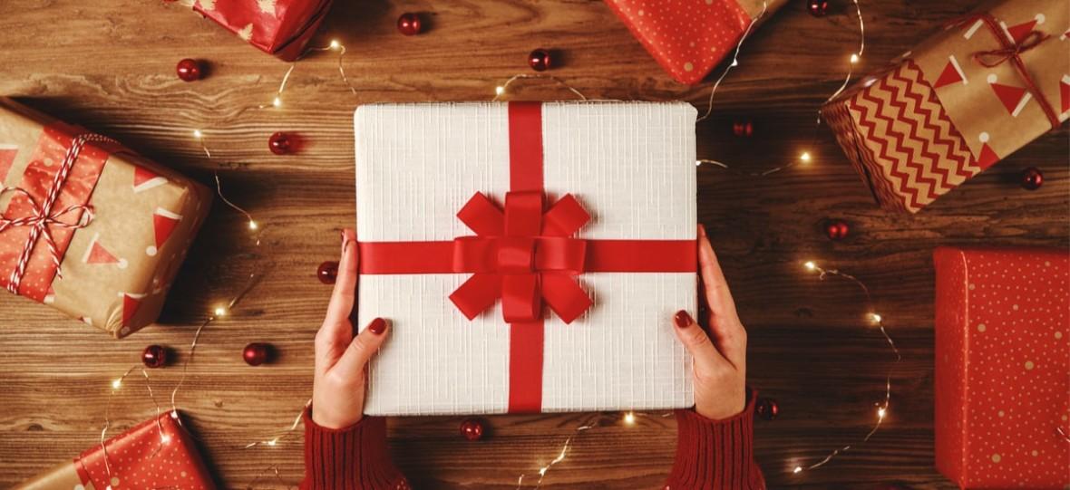 Pomysły na prezenty: smartfony, sprzęt komputerowy i małe AGD do 500, 1000, 1500 zł