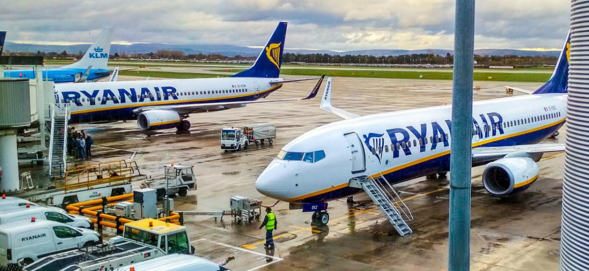 Powinniśmy zlikwidować klasę biznes czy tanie linie lotnicze?
