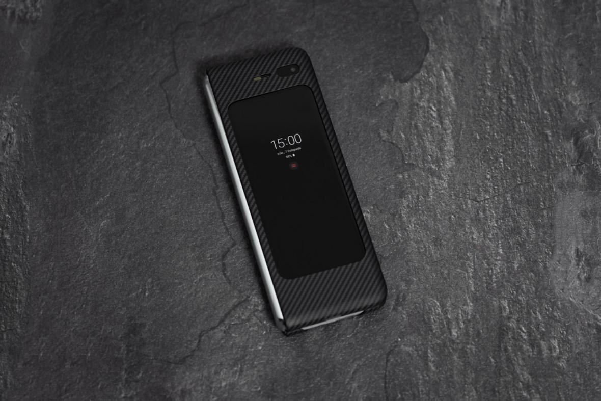 Ile smartfona w Samsungu Galaxy Fold? Sprawdziłem, do czego ten mały ekran się nadaje