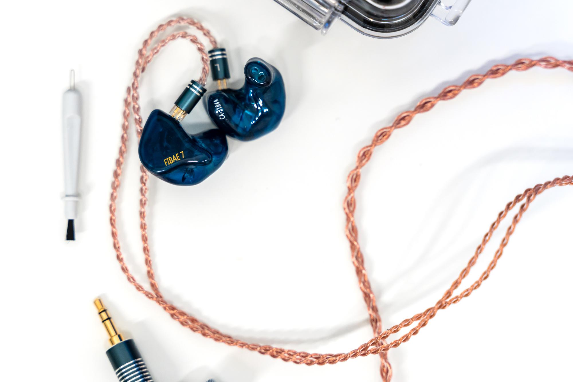Custom Art Fibae 7 - słuchawki na zamówienie