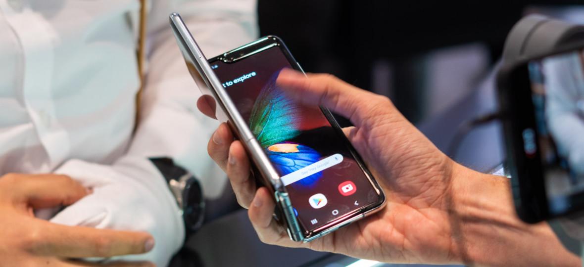 Android 10 dla Samsungów Galaxy. Producent podaje, kto i kiedy dostanie