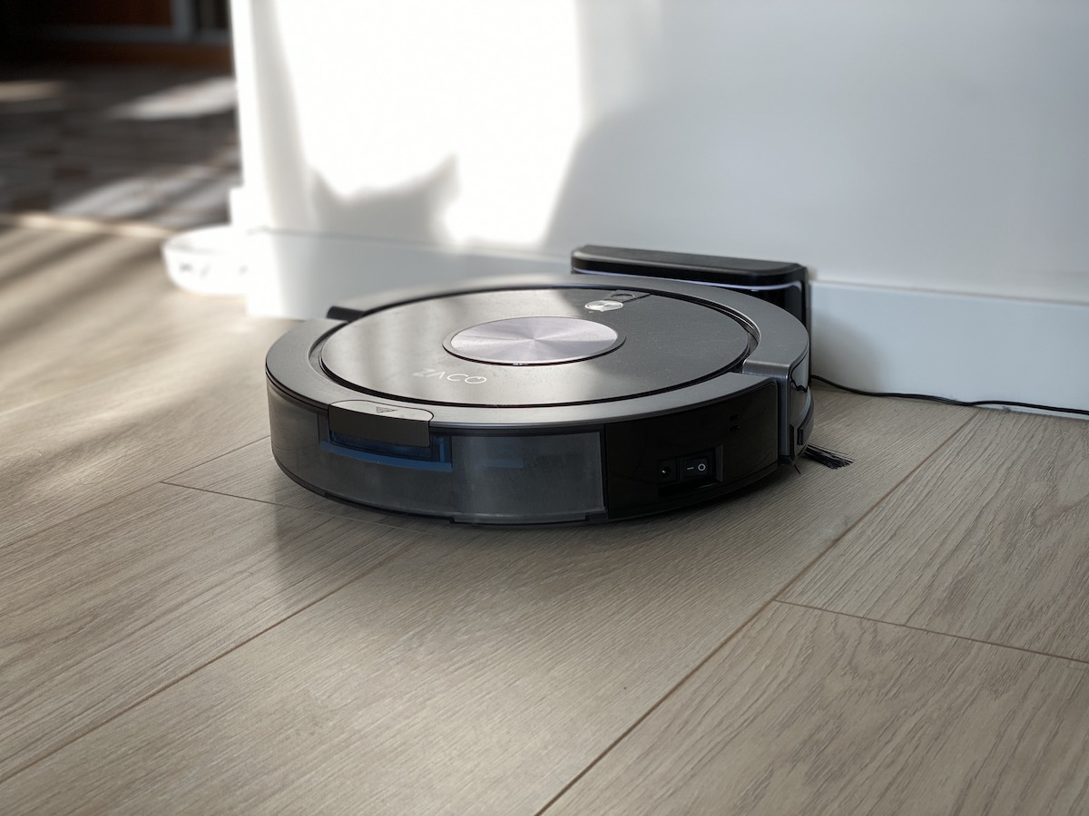 Zaco A9s Is A Cleaning Robot That