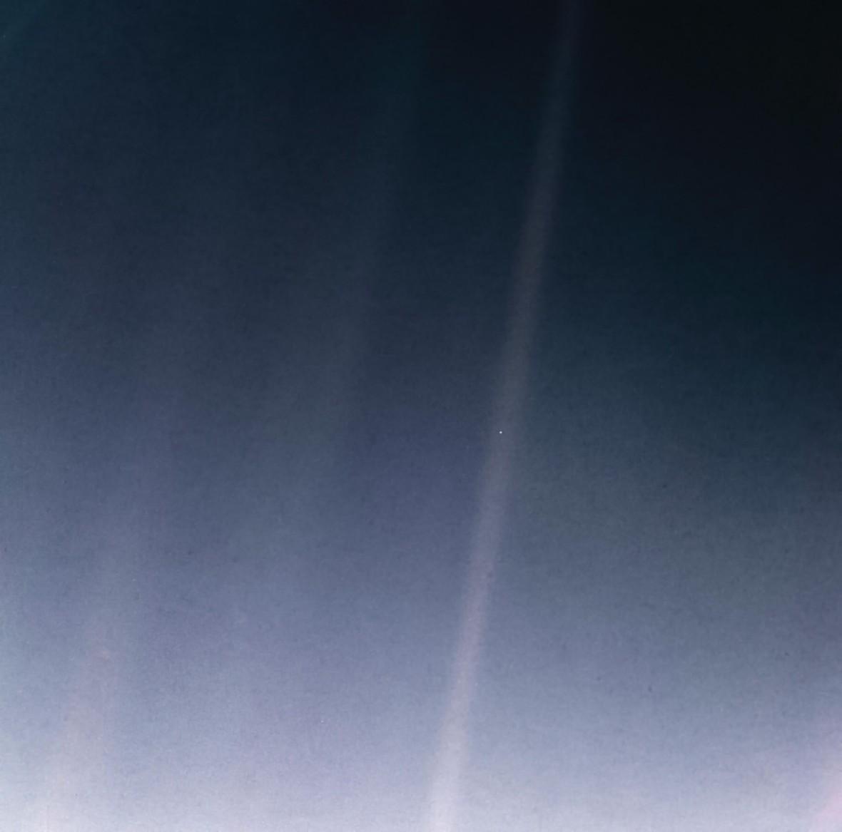 To zdjęcie pokazuje naszą pozycję we Wszechświecie. Oto Błękitna kropka w nowej odsłonie