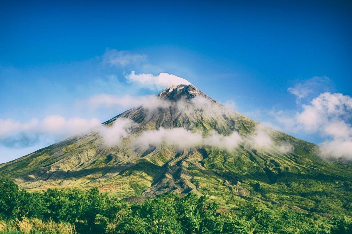 Człowiek kontra wulkany. Sprawdzamy, skąd pochodzi większość emitowanego dwutlenku węgla