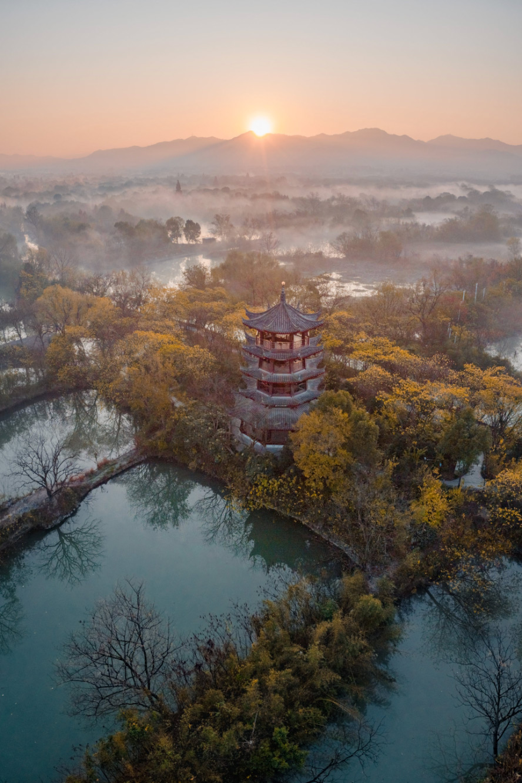 2. miejsce: 'Xiyun Buyun Pavilion', fot. Yisan Xiao (Chiny)