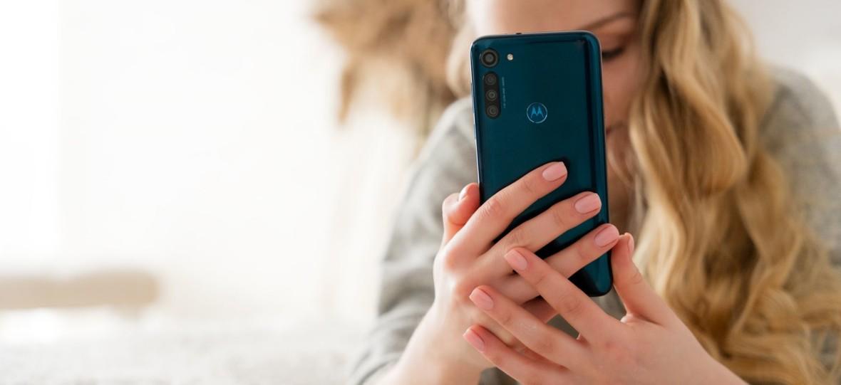 Motorola Moto G8 Power (prawie) wszystko robi dobrze. Recenzja po miesiącu