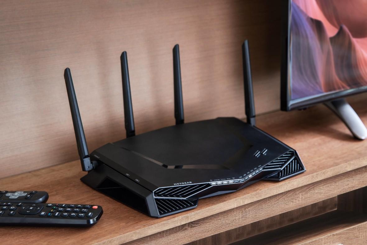 Bez flashowania i bez limitu urządzeń. Netgear XR500 to router gamingowy z VPN do pracy zdalnej